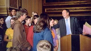 Preisverleihung vom 11.5.2004 im Landesmuseum durch Dr. Peter Assmann