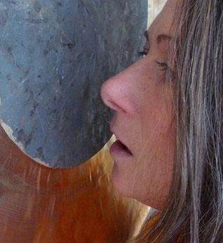 Mit Klangschalen umgehen lernen bei Katrin Unterberg