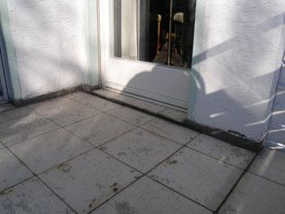 Putz löst sich am Wandanschluss Balkon