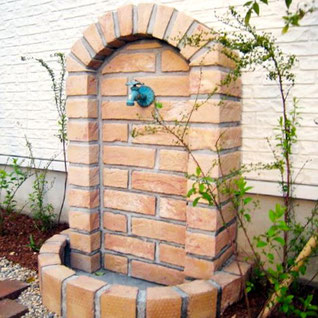 お庭・外構の中でのレンガの使い方とデザインパターン