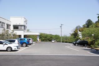 10台以上停めることの出来る駐車場を完備
