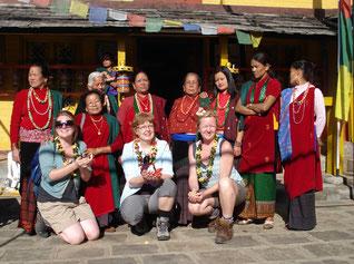 Sirubari & Panchassee Yoga Trek in Nepal, Austausch mit der lokalen Bevölkerung; Yoga Urlaub in Nepal, Yoga Trekking in Nepal