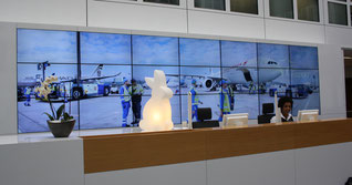 Modern styled light motifs are welcoming Fraport visitors  /  source: hs