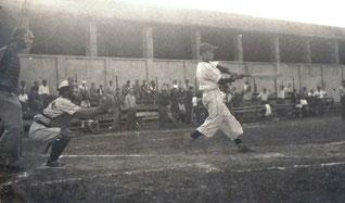 Foto del 1951 - Franco Ludovisi alla battuta