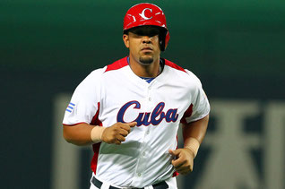 Nella foto Jose Abreu dei Chicago White Sox con la divisa della Nazionale ubana ((Photo by Koji Watanabe/Getty Images)