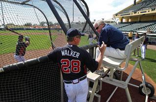 Nella foto Greg Walker durante un batting practice
