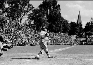 Nella foto Babe Ruth durante la partita commemorativa del 1939 a Cooperstown