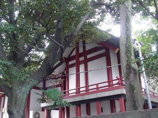 徳持神社の本殿