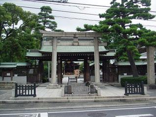 六郷神社の鳥居・神橋・神門