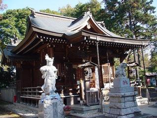 野川神明社の拝殿と韋駄天像