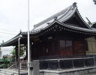 新城神社の拝殿