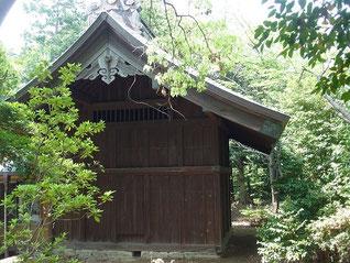 白鳥神社の本殿