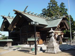 高石神社の拝殿・本殿
