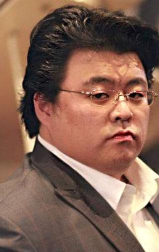 Yeongjo Choi  , Tenor in der Rolle des Prinzen