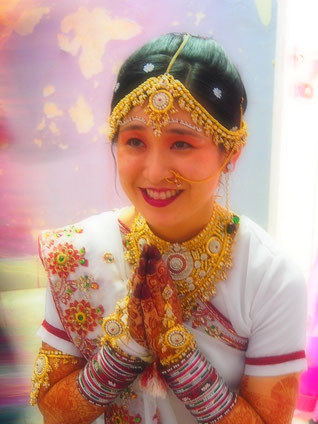 インド ゴンダルにて執り行われた婚姻の儀にて(2014.7)。パンディタン(神官)となる