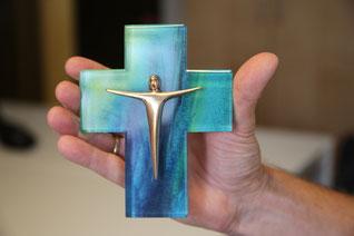Passend zum Jahr der Kreuz-Debatte erhält der Fachseminarpreis der Diözese Eichstätt 2018 auch ein Kreuz. Foto: Geraldo Hoffmann