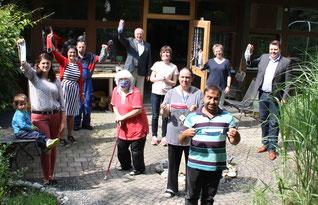700 Stoffmasken überreichte die Bürgerstiftung an die Lebenshilfe und die Jurawerkstätten Foto: Anke Mothes