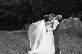 Blätter-Haarband für den bezaubernden Hochzeitslook!