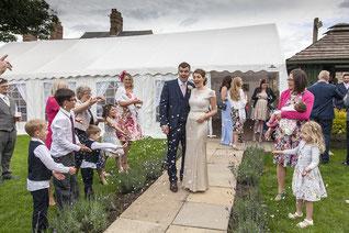 Bubbles nach der Trauung - Hochzeitsseifenblasen