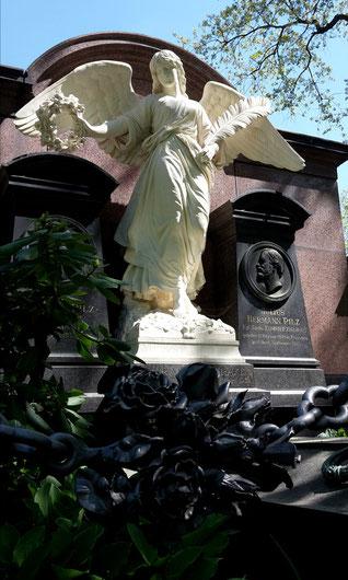 Grabmal Familie Pilz- Engel von Johannes Schilling Bild: Susann Wuschko