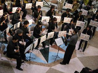 2014年 12月のビバシティミニコンサートの様子