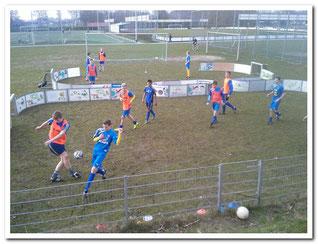 das Soccer-Ei für das juniorentrainig und das Seniorentraining, wie auch für den Behindertensport