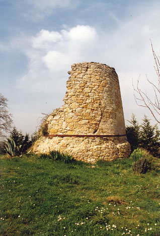 Laurac, le moulin de l'église a bien souffert