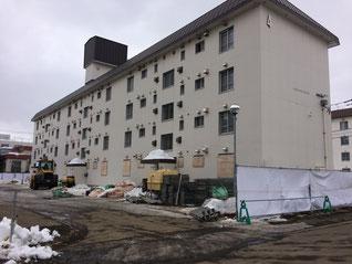 解体工事が始まった旧防衛省平岸公務員宿舎