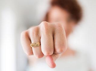 Klopf-Akupressur hilf, Zorn und Wut, Ärger und Groll zu überwinden