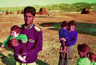 Nikos mit seiner jungen Familie