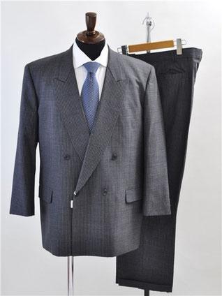 イヴサンローランのダブルスーツをお買取