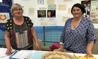 Sam. 02/09 : en avant première, Rosanne et Hélène ont accueilli au forum des associations de Pleyber-Christ les parents et les enfants en demande de catéchèse. Un bon moment, pour une rencontre toute en sourire.