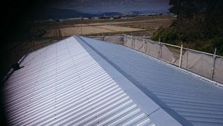カバールーフが終わった後の屋根 板金が全部取り付けられている