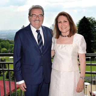 Publizist Dr. Hugo Müller-Vogg mit Ehefrau Ulrike
