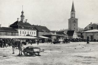 Mitau, St. Trinitatis Kirche und Marktplatz