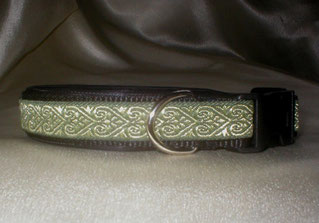 Klickverschluss, Halsband, 2,5cm, Gurtband schwarz, Borte Herzensbande oliv-schwarz