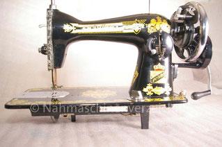 Privileg 125 (nach Singer-Bauart), Geradestichnähmaschine, Flachbett mit Handkurbel, Fußantrieb möglich, Hersteller: unbekannt (Bilder: D. Pohlmann)