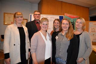 Von re.: Anica Grune (Mediencooperative), Iris Echterhoff, Lisa Overkamp, Vanessa Magel (alle drei Kreisjugendamt), Christopüh Kopitzki und Christin Vorberg (Gemeindejugendring). (Foto IVZ)