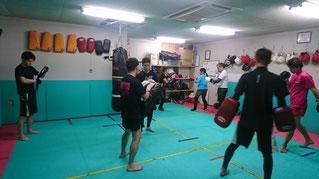 teamYAMATO大和高田本部のキックボクシング練習風景
