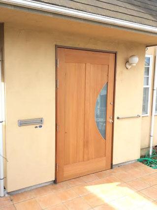 リフォーム 木製玄関ドア 木のドア 個性的 シンプル