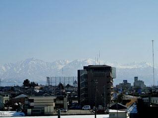 富山高岡バイパスから見た立山連邦・剣岳