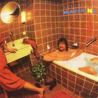"""Zwanzig Jahre danach, anno 1986, ist sowas bei Puhdys-Frontmann Dieter """"Maschine"""" Birr auf seiner LP """"Intim"""" erlaubt - in der ausgehenden DDR"""