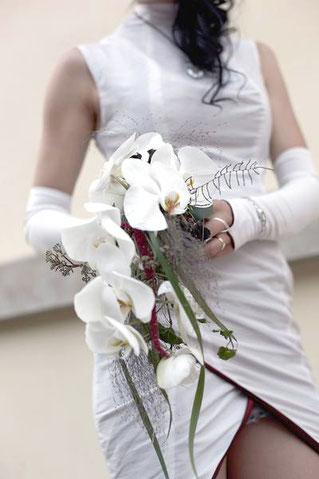Brautstrauß Orchideen weiß