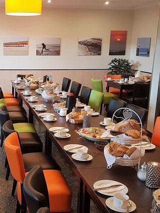 Gedeckter Frühstückstisch für eine private Feier im ParkBistro