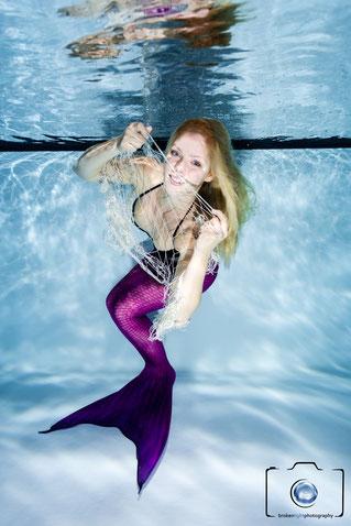 Bild: Meerjungfrau Unterwasser beim Meerjungfrauenschwimmen in Berlin