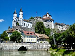 Burg und Kirche von Aarburg
