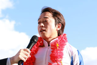 インタビューに答える藤原幹生騎手
