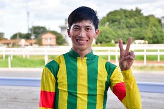 レース後の加藤聡一騎手
