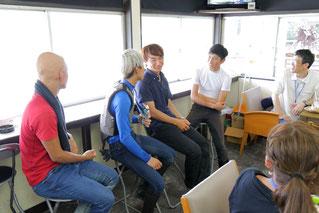 朝食会での(左から)高橋昭平騎手、水野翔騎手、村上弘樹騎手(愛知)、加藤聡一騎手(愛知)