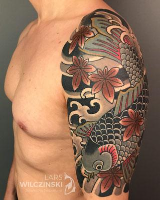 Lars Wilczinski, Tattookünstler, Tattoo-Atelier Berlin, Tattookunst, Japanische Tattoos, Japanese Tattoo, Japantattoo Motiv, Koi und Momiji